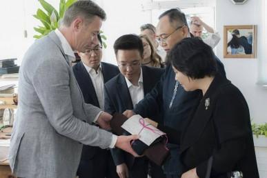 """Производство """"Макей"""" посетил посол Республики Корея Ким Ёнг Хо"""